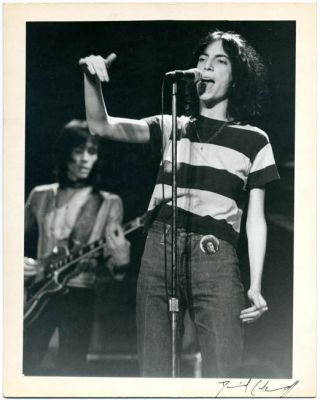 An original 9x7 b/w photograph by David Arnoff of Patti Smith onstage (probably at The Roxy, Los...